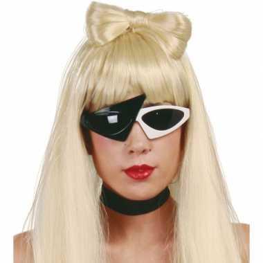 Carnavalskleding bekende popsterren zonnebril zwart wit helmond