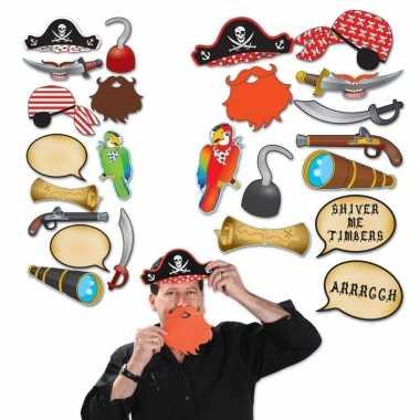 Carnavalskleding fotohokje accessoires piraat helmond