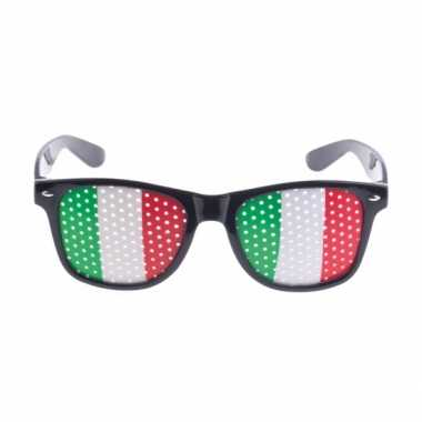 b93e1346d2271a Carnavalskleding Italie vlag zonnebril helmond