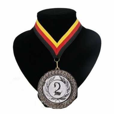 Carnavalskleding medaille nr. halslint rood geel zwart helmond