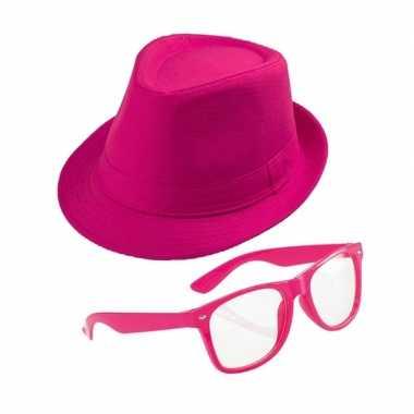 Carnavalskleding roze verkleedsetje hoed bril volwassenen helmond
