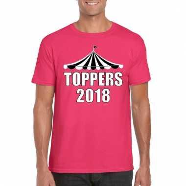 Carnavalskleding t shirt roze toppers witte letters heren helmond