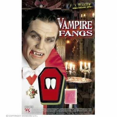 Carnavalskleding vampieren tanden helmond