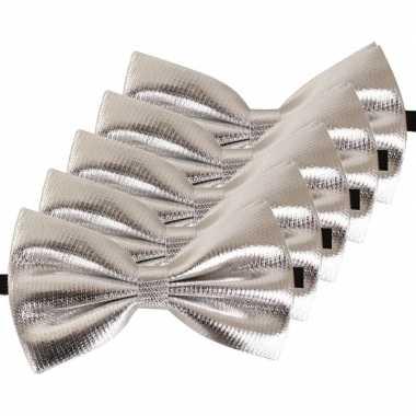 Carnavalskleding x carnaval/feest zilveren vlinderstrik/vlinderdas verkleedaccessoire volwassenen helmond
