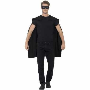 Carnavalskleding zwarte cape oogmasker volwassenen helmond