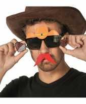 Carnavalskleding bril snor cowboyhoed helmond