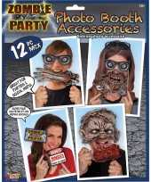 Carnavalskleding foto maken setje zombie thema helmond