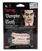 Carnavalskleding vampier gebit helmond