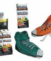 Carnavalskleding wegwerp sneaker schoenhoezen helmond
