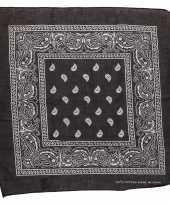 Carnavalskleding zwart sjaaltje paisley motief helmond